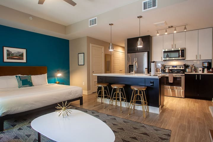 Kasa Denver Riverfront King Studio Apartments
