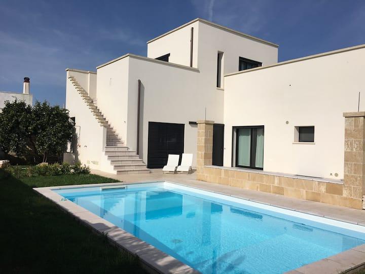 Villa avec piscine proche du centre ville