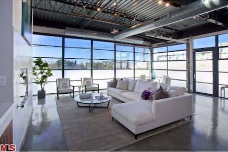 Modern Loft  (1300 sq. ft) - Santa Monica - Loft