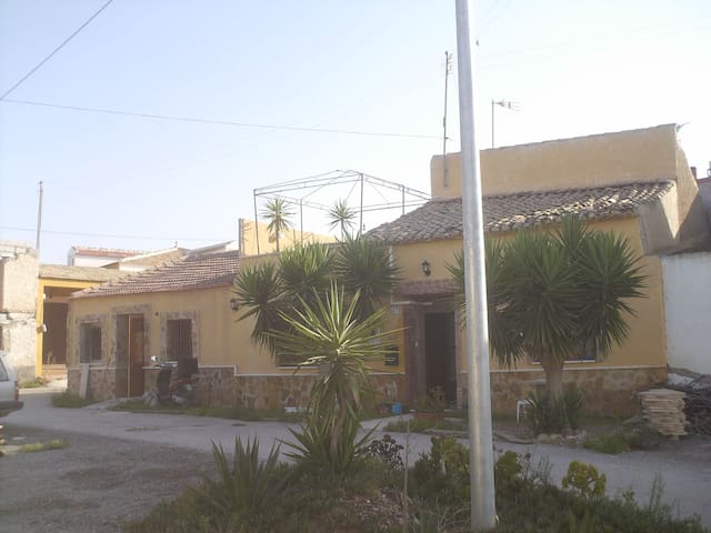 private living in the countryside - Orihuela - Huis