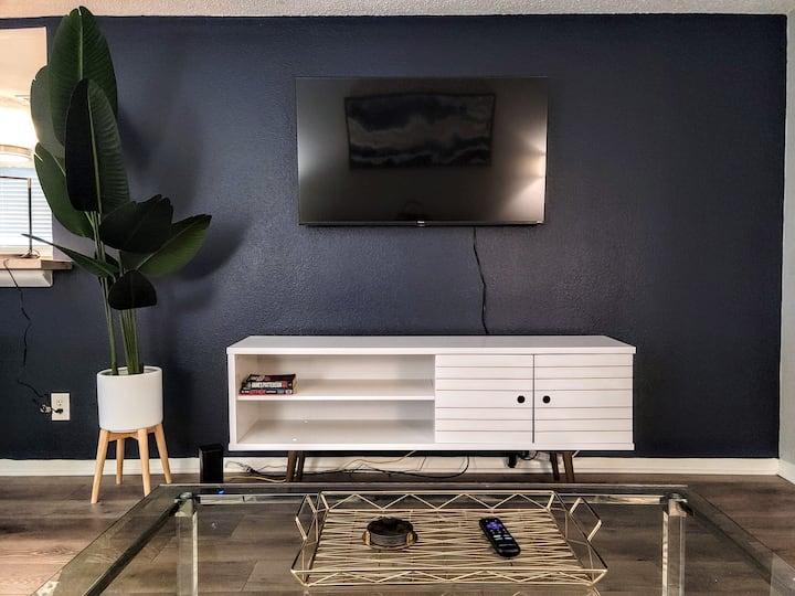Modern+4k TV+King in Smyrna near Braves/Atlanta