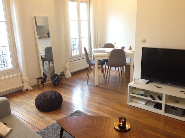Stylish spacious flat in the heart of Paris - Paris - Apartment
