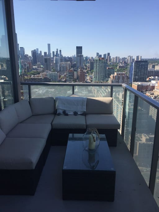 Patio terrace with views of the city