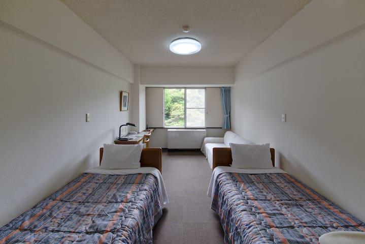 六甲山YMCA 洋室ツイン(バス共同)