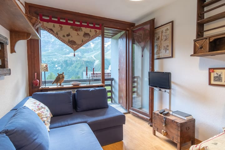 Tavolo In Vetro Con Base In Pietra.Airbnb Valtournenche Vacation Rentals Places To Stay