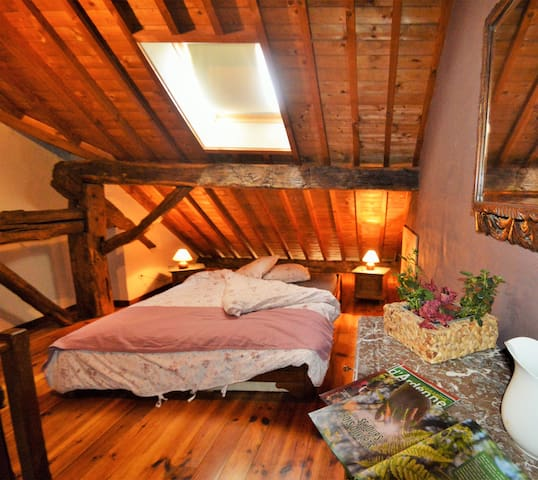 "Bedroom ""La Louve"""
