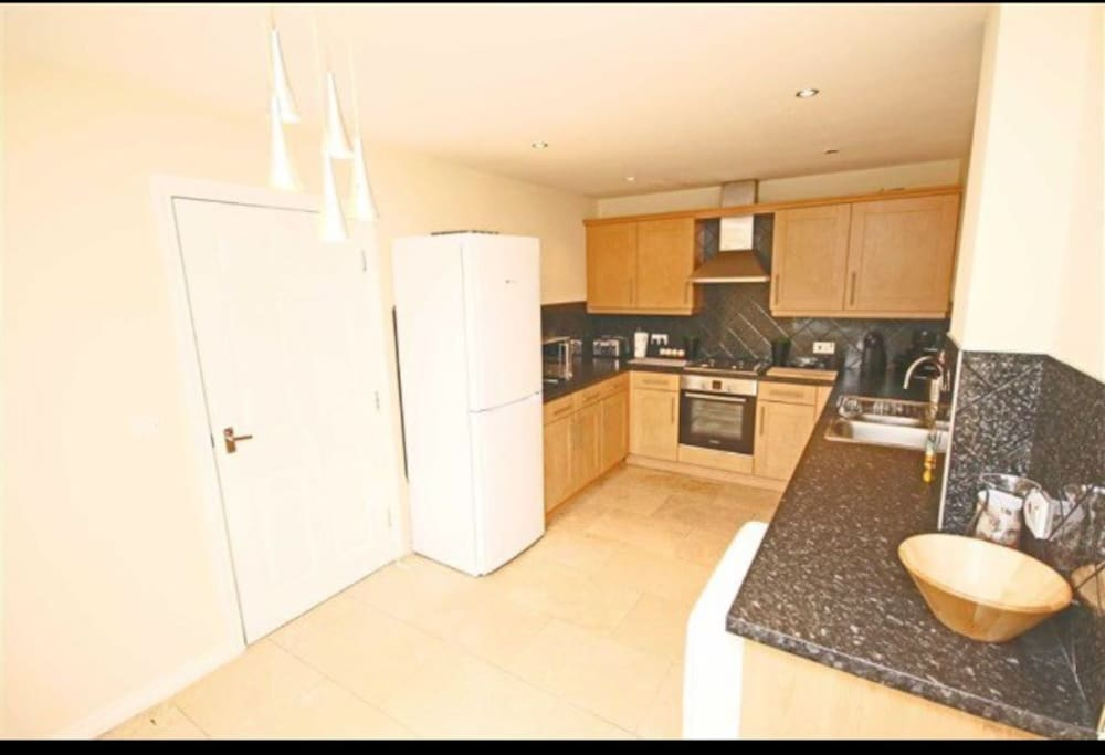 Modern furnished Kitchen