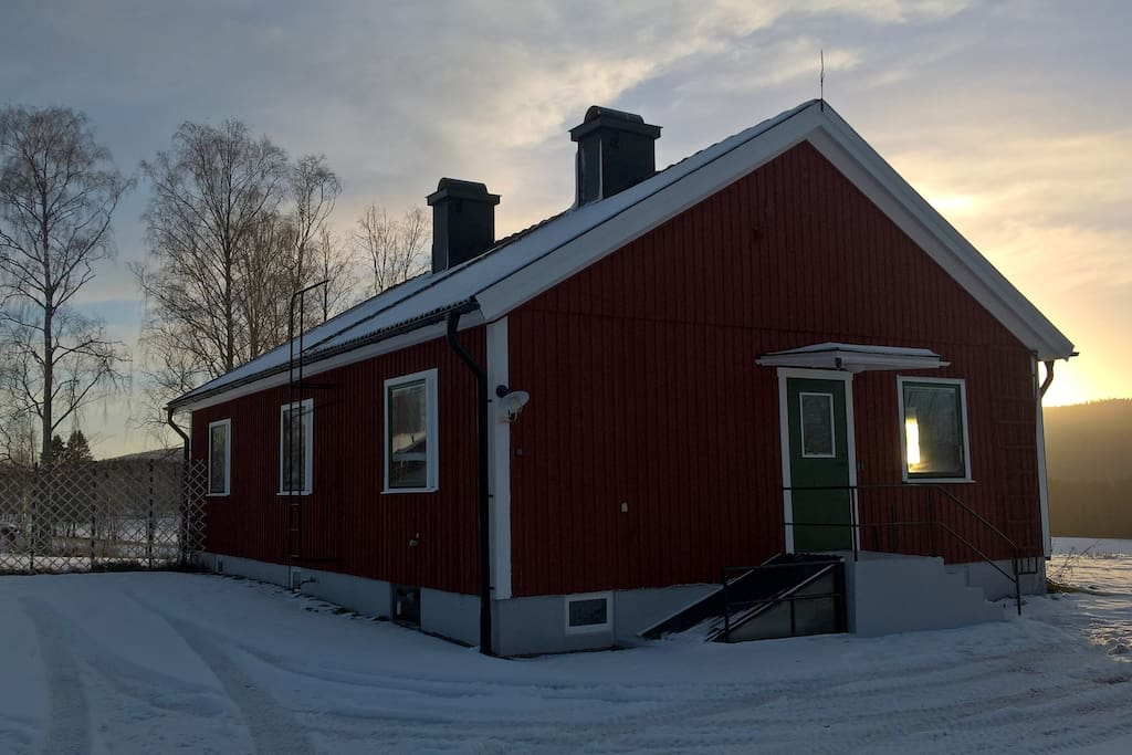 Das Haus im Winter / The house in the wintertime