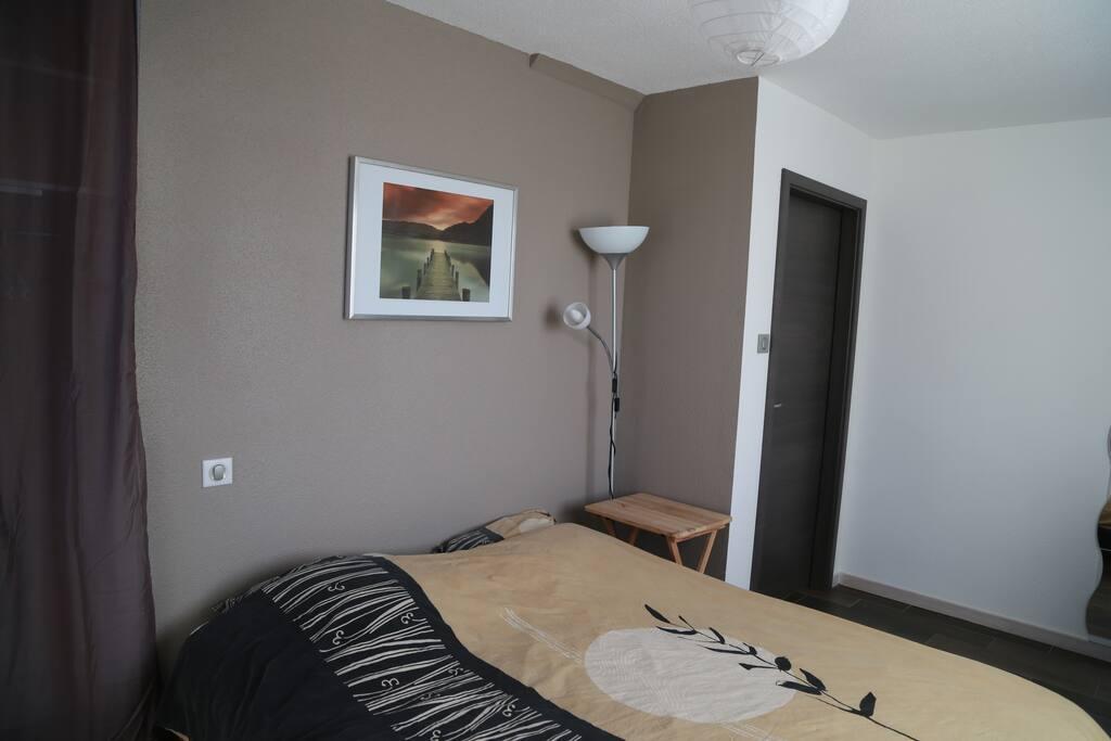 Chambre de 14m2 en centre alsace gu mar flats for rent for Chambre 14m2