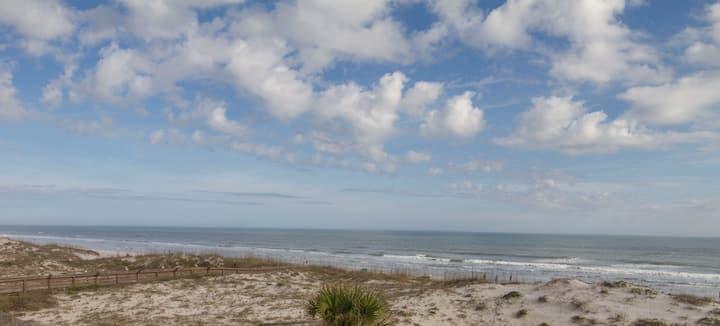 Oceanfront Condo ~ Heated Pool ~ Sugar Sand Beach
