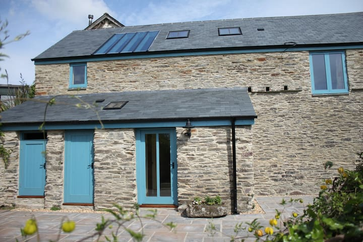Beautiful barn-amazing, panoramic valley views - Harberton - Ev