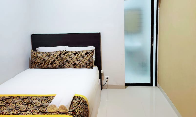 Erna's Solo House Standard Room 202