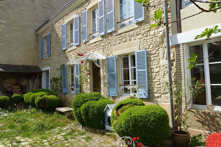 Maison de charme, coeur du vignoble - Ville-Dommange - Casa