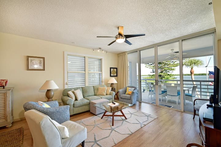 Longboat Key Waterfront #202 Harbour Villa Club