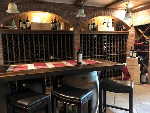 Hudson Valley Wine Cellar Experience