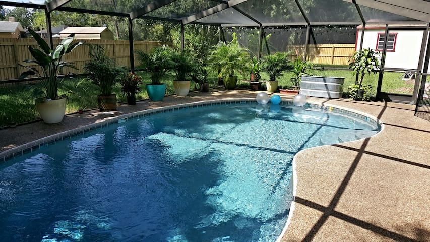 Quiet home with pool, central to all Tampa Bay!