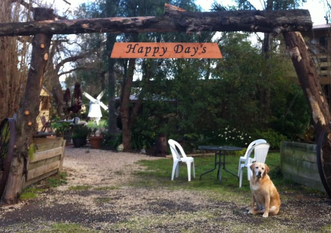 Happy Days Homestead -Tinamba - Dog Friendly