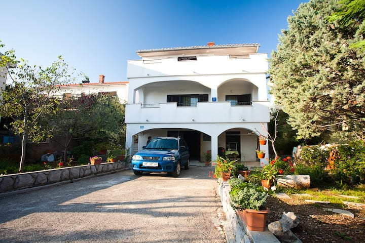 Apartment Lucija n°2, just 200m from the beach