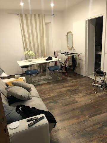 Très jolie studio récent