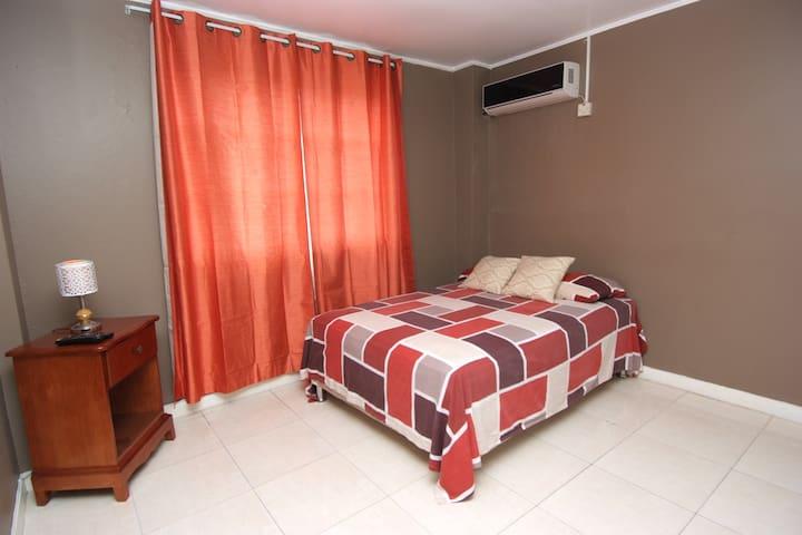 Finest Accommodations Dorchester 2-8 Norwood Ave