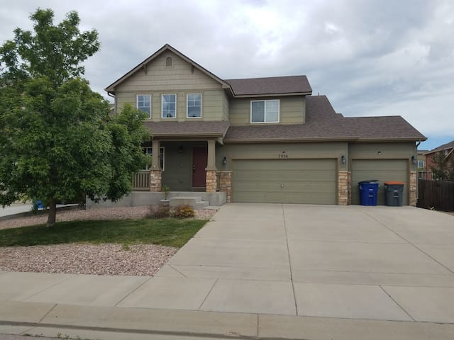 Shared House minutes from Pete and Schriever AFB