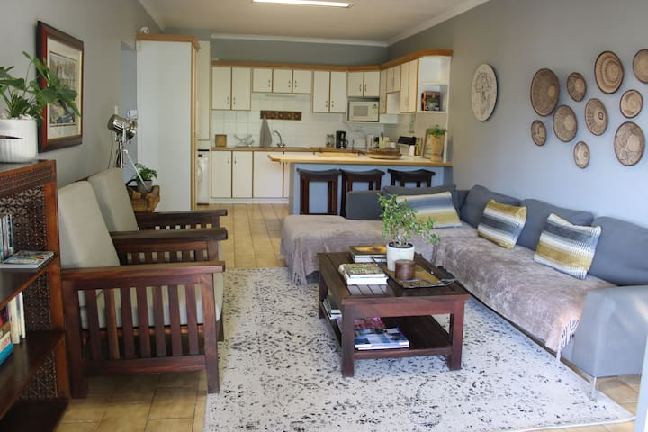 The Garden Cottage Paarl Spacious•SCater•Patio•BBQ