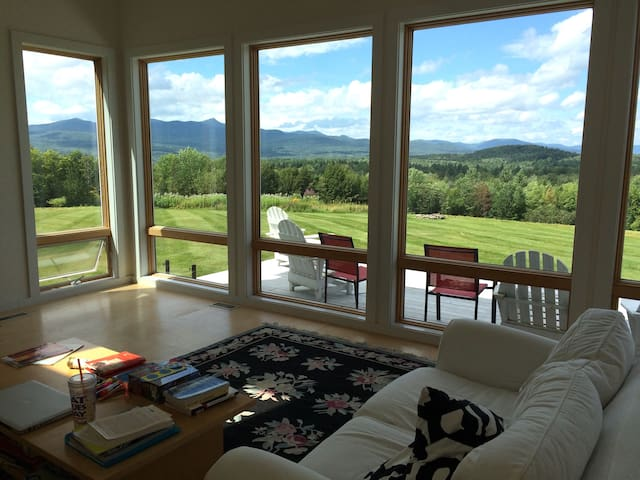 Private Vermont Getaway on 120 Acres - Jay Peak - Troy - Casa
