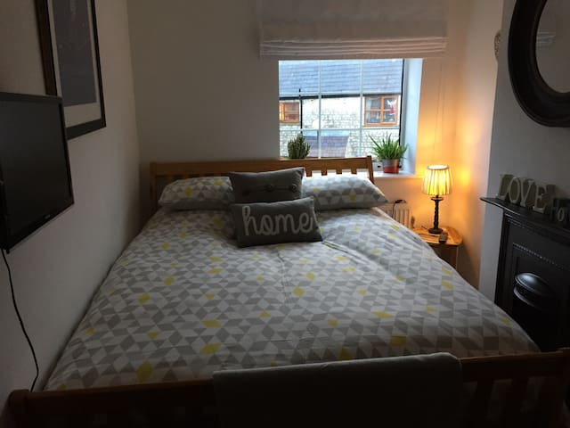 Buxton Spa - cosy room - central location - Buxton