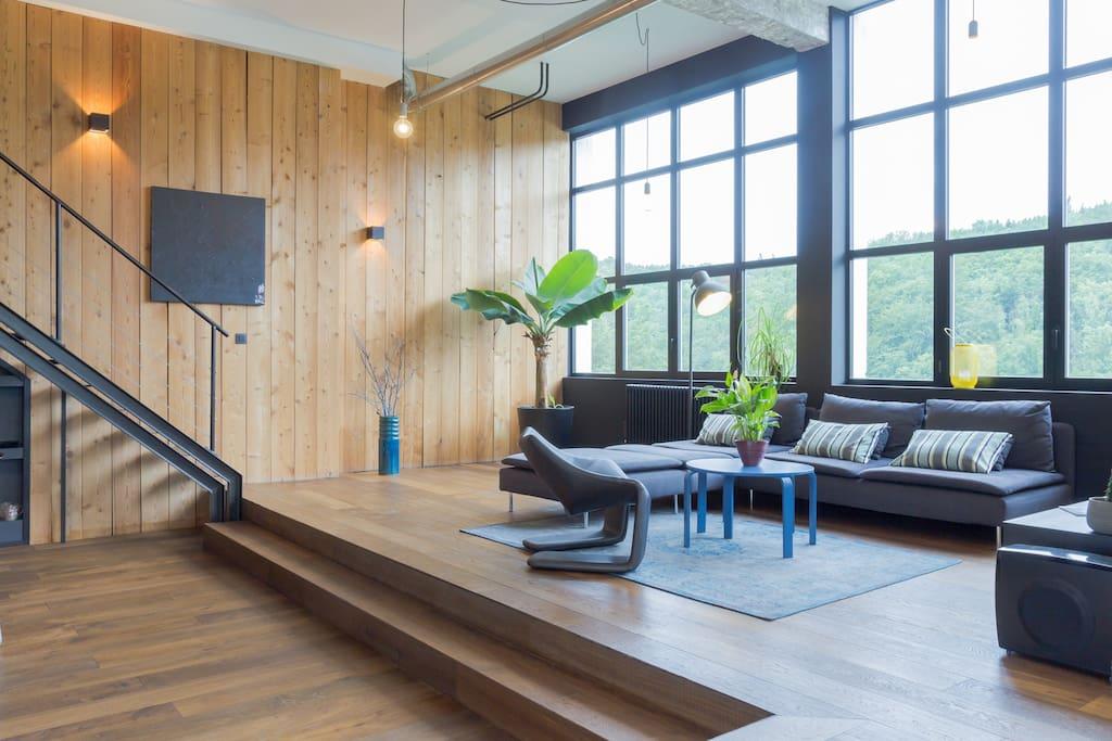 Super loft contemporain lofts zur miete in bellegarde for Loft contemporain