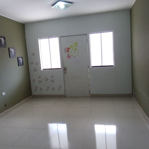 habitacion para dos o tres personas