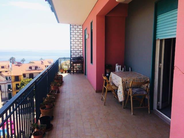 Belvedere sul mare Nizza di Sicilia & Taormina