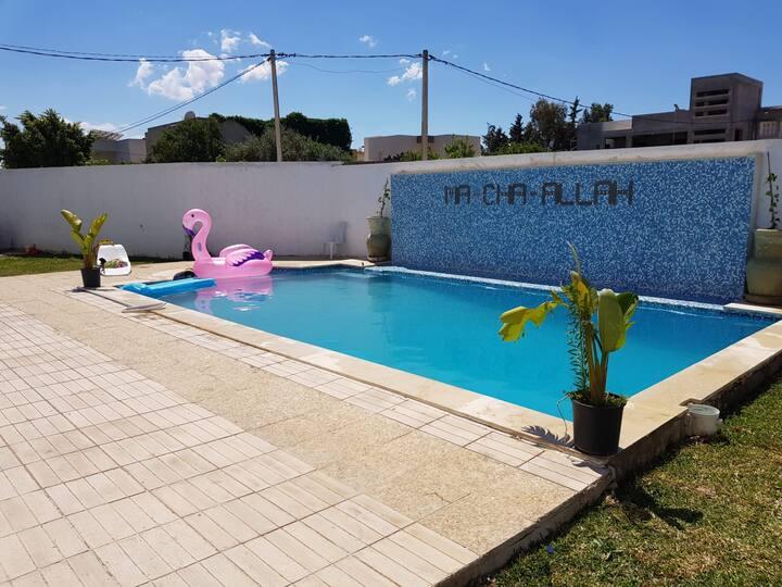 Grande villa avec piscine climatisée