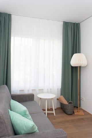 Apartment 3, Wohnen