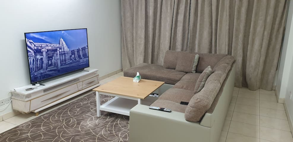 Tidy City Central 2bedroom Apartment with Balcony