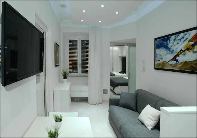 EXCLUSIVE APARTMENT IN THE HEART OF ROME!