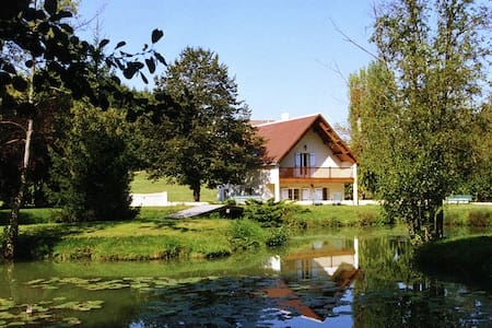 Quaint Holiday Home in Faverolles with Pool and Pond