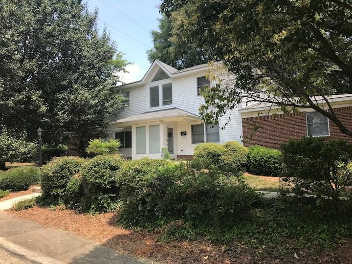 Dilworth - Updated 8 BR, 4 BA Close to City-Center