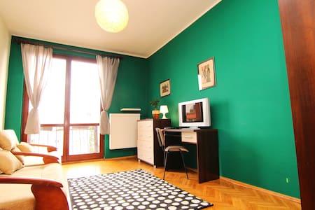 (1)Triple room with shared bathroom /MARKET SQUARE - Wrocław