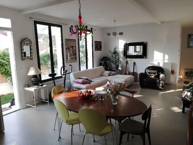 Chambre privée-3 pers.-Breakfast-Parking-Sdb-WC