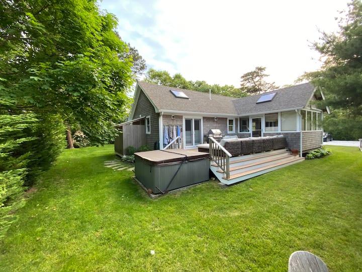 2 Br Island House