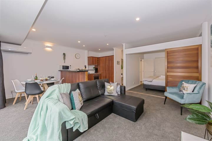 Outstanding Location in Princes Wharf