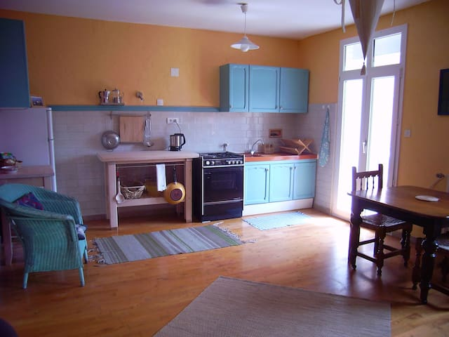 Sunny apartment in French Pyrenees - Saint-Laurent-de-Cerdans - Daire