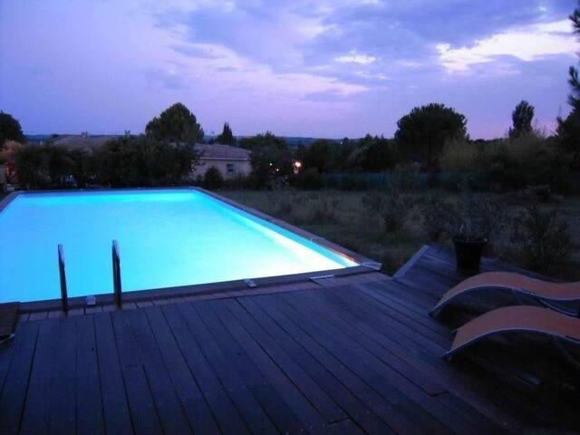 Le Micocoulier : Maison ancienne avec terrain et piscine - Aspères - Huis