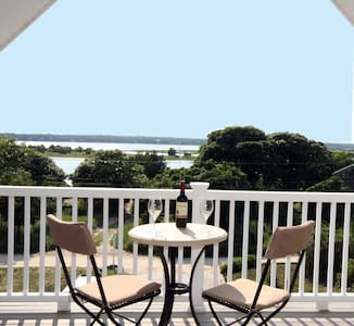Sunset Water Views-Private Entrance - East Hampton - House