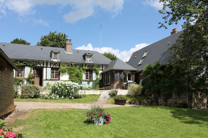 Authentique maison normande - Haudricourt - Aamiaismajoitus
