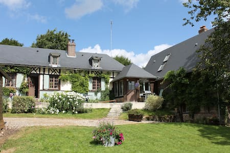 Authentique maison normande - Haudricourt - Bed & Breakfast