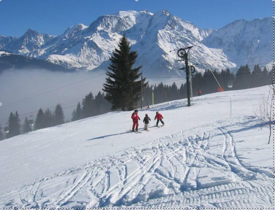 Piste de ski devant le chalet