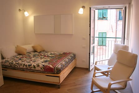 Cozy flat 50mt from the seaside: typical & modern! - Finale Ligure - Wohnung