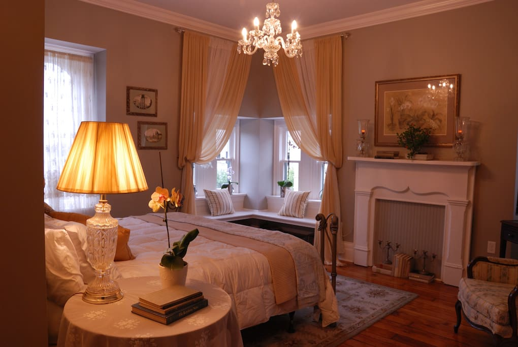 Allegheny Inn Crystal Suite 3rd Floor Private Bed And Breakfasts For Rent In Pittsburgh