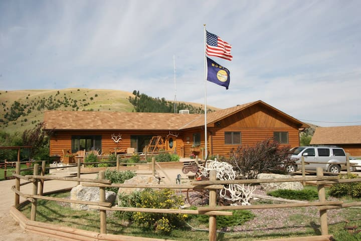 Room 3 & 4 in Beautiful Back Country Lodge